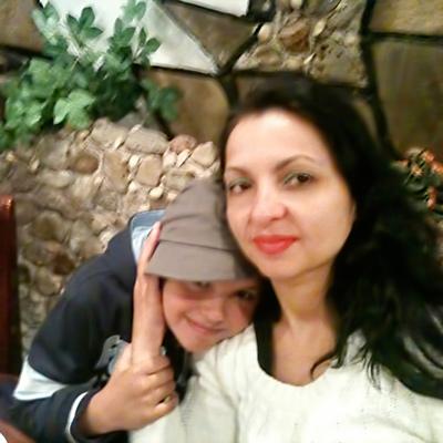 Nicoleta and Nina Mocanu